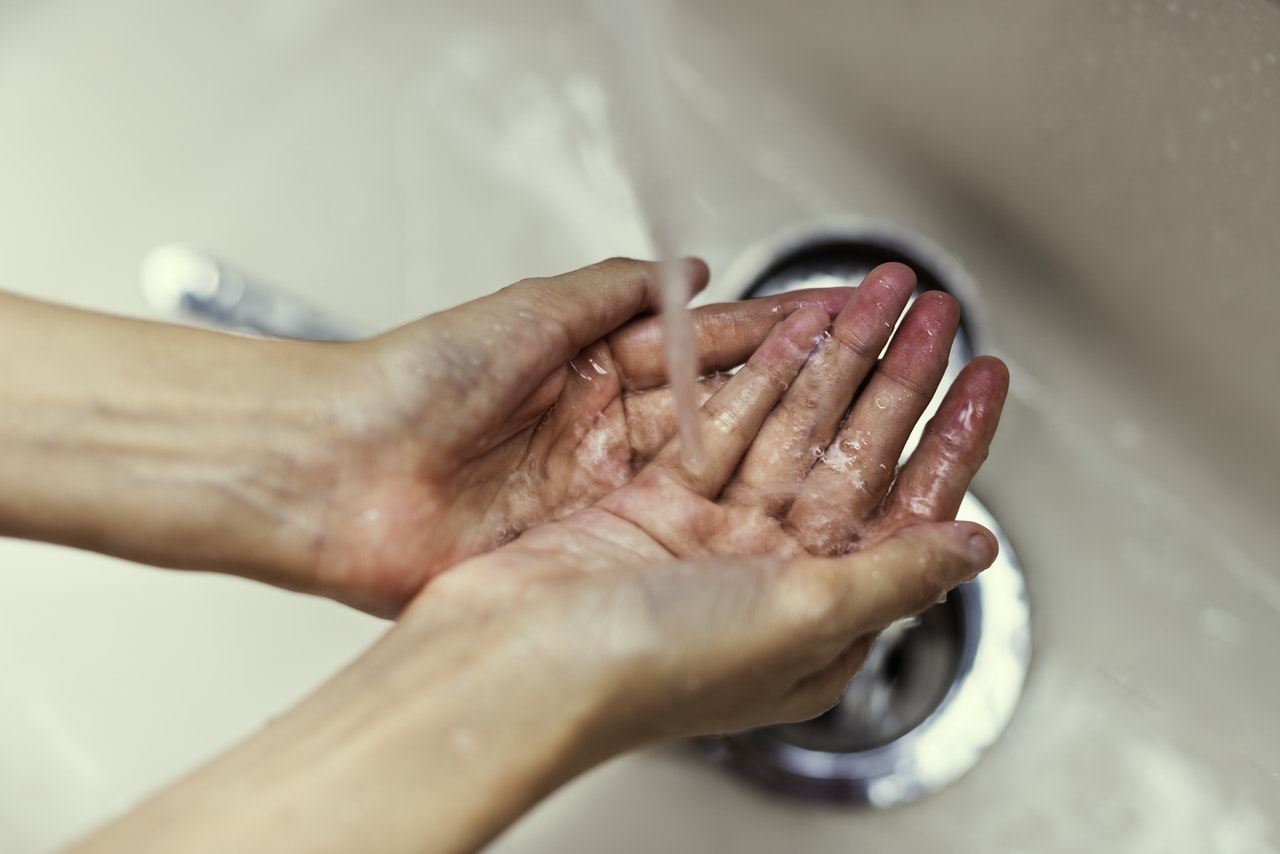 WPL Diamond - Image of hands cupping running tap water